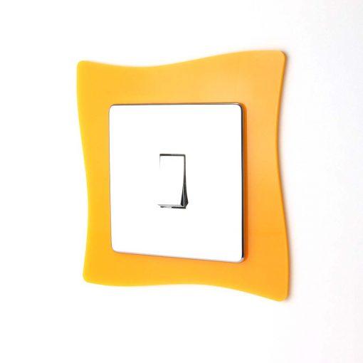 Single Wave Acrylic Socket Surround