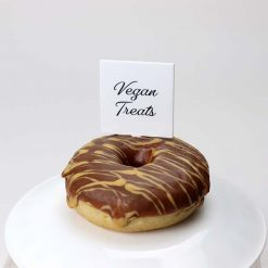 Vegan Treats Pick in cake